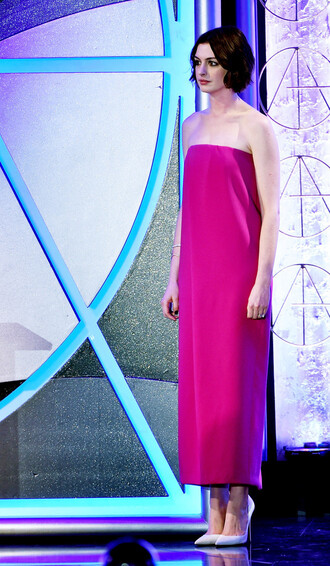 dress strapless pink pumps anne hathaway shoes