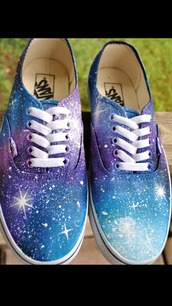 shoes,similar to the photo shown,vans,printed vans