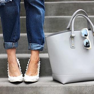 shoes zooshoo zooshoo shoes heels white heels pointed toe heels studded heels closed toe heels studded shoes privileged heels phoenix pump white pumps privileged pointed toe pumps