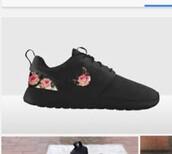 shoes,nike,nike shoes,roshe runs,nike roshe run,nike roshe run floral,black