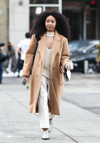 coat tumblr nyfw 2017 fashion week 2017 fashion week streetstyle camel camel coat sweater white sweater pants white pants shoes silver silver shoes metallic metallic shoes