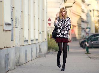 bekleidet sweater skirt shoes