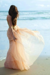 dress,peach,long,peach dress,hipster wedding,gown,beach,hippie,indie,pink,cream,clothes,celebrity,flowy,tulle skirt,ballerina,orange,formal,prom,wedding,chiffon