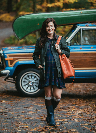 classy girls with pearls blogger jacket dress shoes bag socks jewels fall outfits fall boots orange bag maternity fall colors