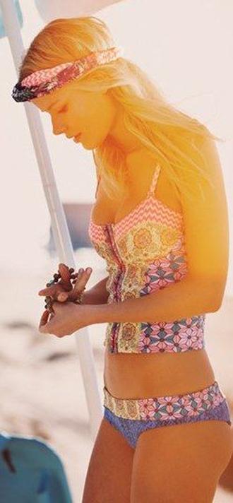 swimwear pattern bikini tankini floral beach summer outfits bustier hair accessory
