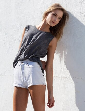 t-shirt shorts white shorts fashion grey tank top tanned