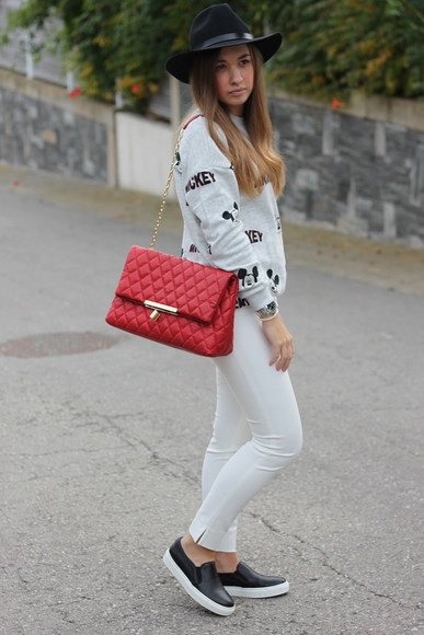 mickey mouse say queen blogger bag jumper
