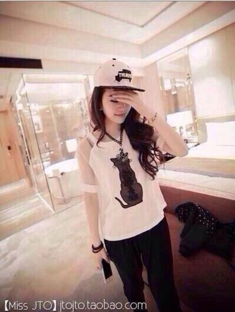 t-shirt white shirt