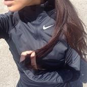 jacket,sportswear,sports jacket,zip up sweater,black and white,nike,running,top,coat,black