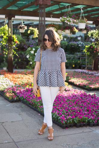 champagne&citylights blogger top jeans shoes bag sunglasses jewels sandals shoulder bag white pants