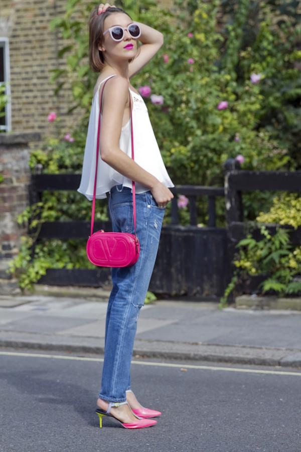 la petite anglaise blogger jeans shoes bag nail polish make-up