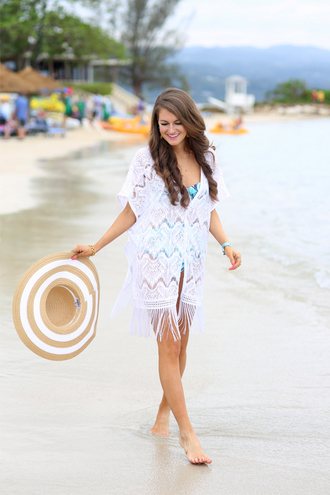 southern curls and pearls blogger hat beach kimono