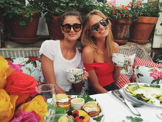 top sunglasses taylor hill romee strijd model off-duty instagram off the shoulder