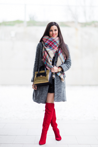 crimenes de la moda blogger coat scarf jewels skirt shoes bag