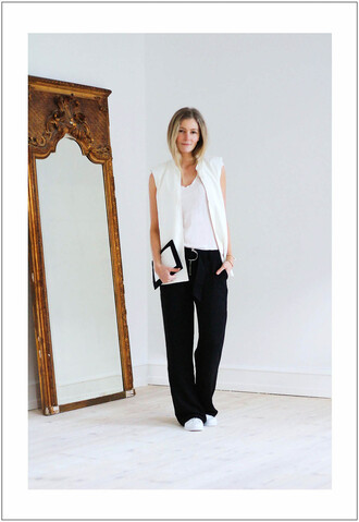 passions for fashion blogger vest wide-leg pants black and white black pants