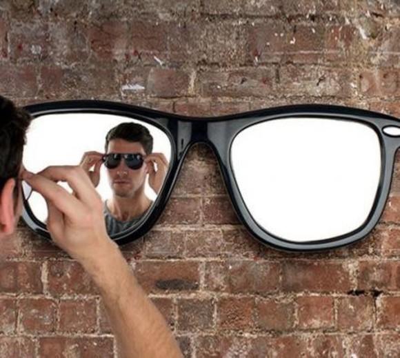 sunglasses make-up mirror black