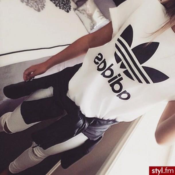 shirt t-shirt t-shirt white black white t-shirt black t-shirt adidas wings adidas top blanc streetwear