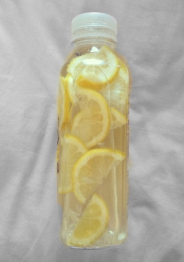 bag tumblr lemons water yummy refreshing water bottle help a girl out