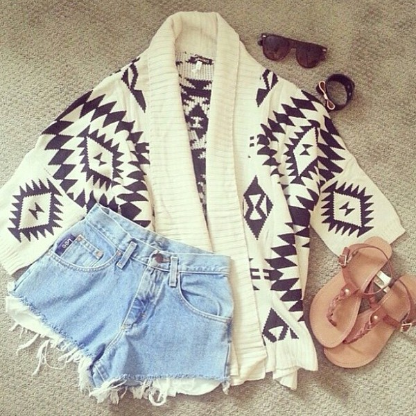 sweater aztek vintage shorts sunglasses bracelets flip-flops blouse shoes white and black sweater black sunglasses faded shorts denim shorts cardigan