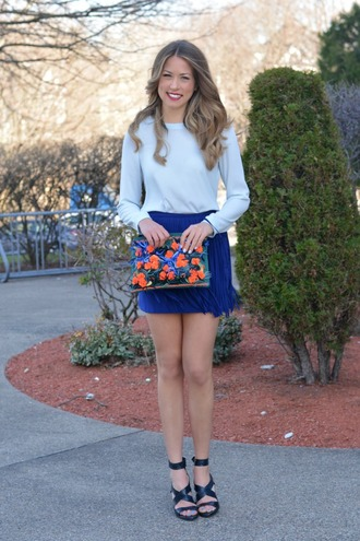 allie wears blogger blue skirt blue blouse floral pouch black sandals fringe skirt