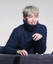 sweater,K-pop,kpop tshirt,turtleneck,oversized turtleneck sweater,black,knitwear,knitted sweater
