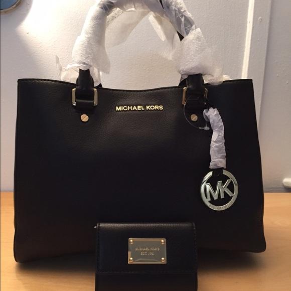 4ead5cfaa76203 23% off MICHAEL Michael Kors Handbags - Michael Kors Bag & Wallet! from  Keren's closet on Poshmark