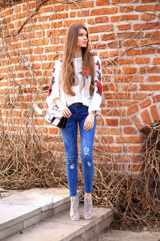 only my fashion style blogger blouse jeans shoes jewels bag