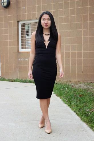 looks by lau blogger jewels little black dress necklace pencil dress