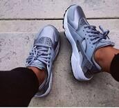 shoes,grey,silver,nike,nike shoes,nike running shoes,nike air,huarache