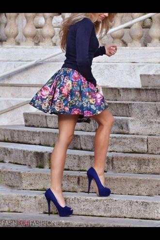 skirt top shirt shoes
