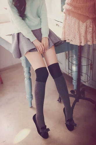 shoes flats loafers classy simple shoes black black and gray black bow shoes with gray bow smoking slippers