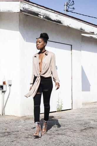 locks and trinkets blogger shoes black jeans ripped jeans nude beige blouse choker necklace black girls killin it jewels black choker tie-front top shirt black ripped jeans clear boots transparent boots black velvet choker