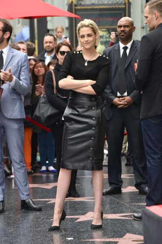 skirt top midi skirt pencil skirt leather skirt kristen stewart pumps spring outfits all black everything