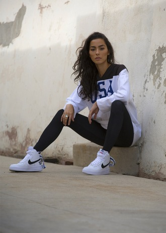 sweat the style blogger sportswear leggings black leggings sports leggings nike nike sneakers high top sneakers white sneakers sneakers sweatshirt workout top shoes girl girly girly wishlist nike shoes nike air nike air force 1 nike air force 1 high top