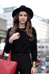 sweater,hipster,clothes,black,hat,pants,jewels,swimwear