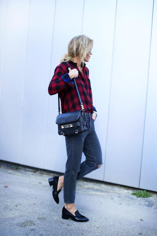 happily grey blogger top jewels bag