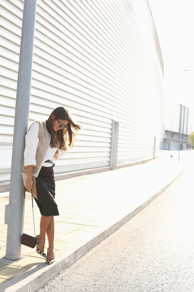 blogger sunglasses seams for a desire Belt faux fur jacket