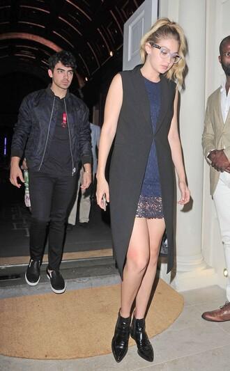 dress navy dress lace lace dress gigi hadid ankle boots vest