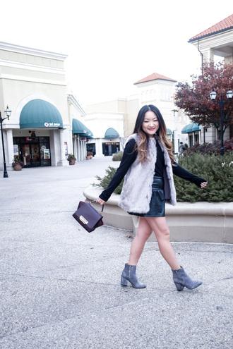 tineey blogger jacket shoes bag faux fur vest mini skirt grey boots ankle boots handbag