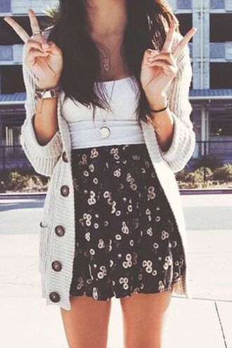 skirt swaeter cardigan girly cute nice cute outfits nice outfit cute outfit cute skirt cute skirt and sweater summer outfits summer spring outfits spring huf socks #iwantttt top jewels