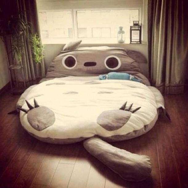 Shirt tights pajamas lit totoro bedding cute white for Cama kawaii