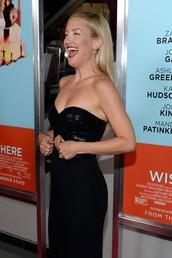 kate hudson,'wish i was here',hudson dress,black dress,dress