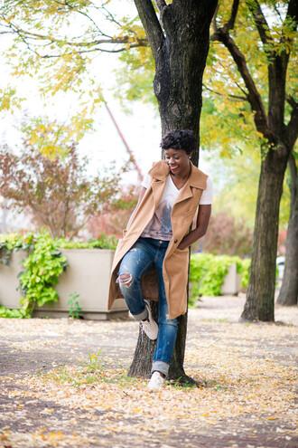 skinny hipster blogger sleeveless coat camel coat ripped jeans