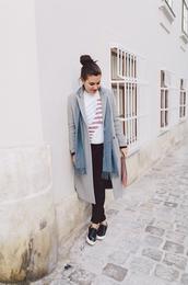 dariadaria,blogger,bag,scarf,jewels,grey coat,pouch,studs,vans