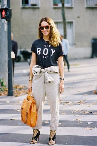 vanessa jackman blogger pants cropped pants black t-shirt streetstyle handbag