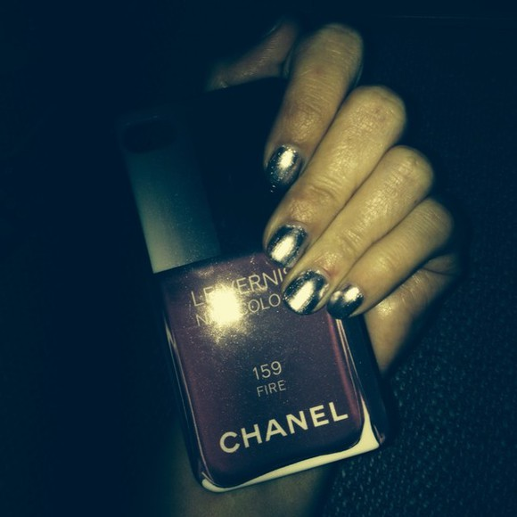 nail polish nails black silver silver glitter chanel iphone case iphone cover purple red blogger fashion  blogger