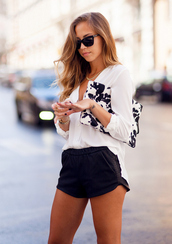 shorts,top,leather,vougue,hot pants,model,black,white,clutch,girly,bag,shirt