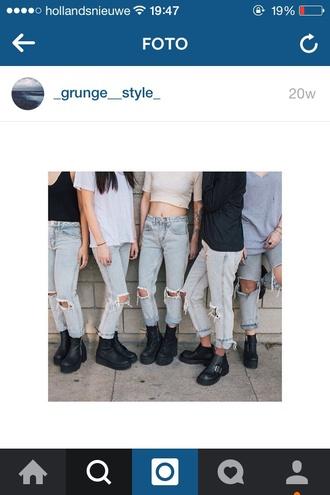 jeans grunge blue shoes black shirt light blue jeans blue jeans grunge boots