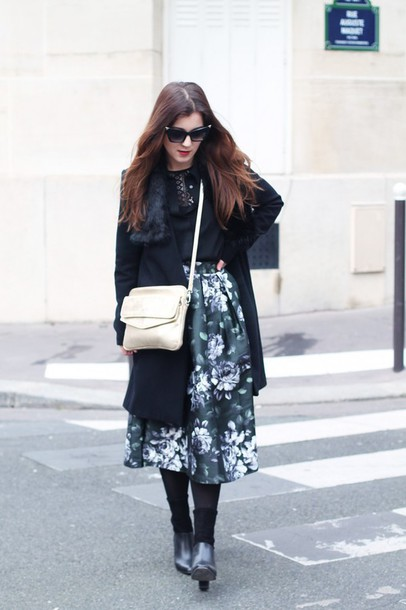 elodie in paris blogger roses midi skirt etam coat skirt bag shoes sunglasses