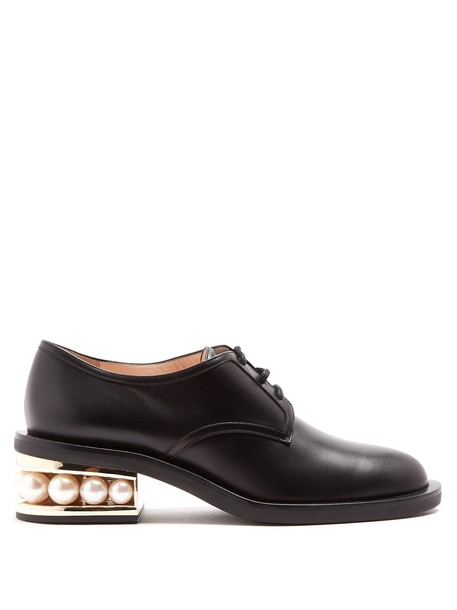 Nicholas Kirkwood pearl shoes leather black